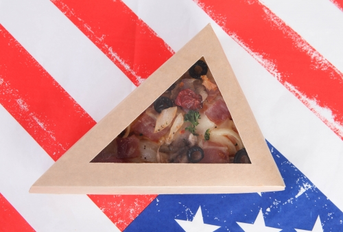 Triangular pizza box